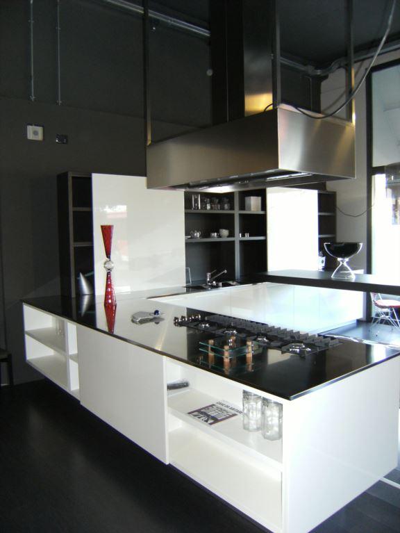 Sassuolo mo styling arreda italy europe outlet for Arreda italia